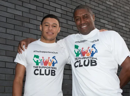 MARK CHAMBERLAIN - CHAMBO'S FAMOUS DAD Who is Mark Chamberlain, who is his significant other and is his child Liverpool star Alex Oxlade-Chamberlain?
