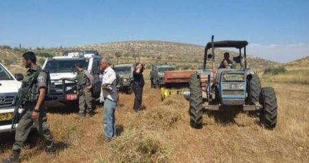 Israeli forces confiscate four agricultural tractors in Northern Jordan Valley